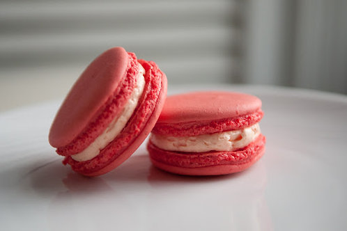 Perfecto Raspberry Macarons