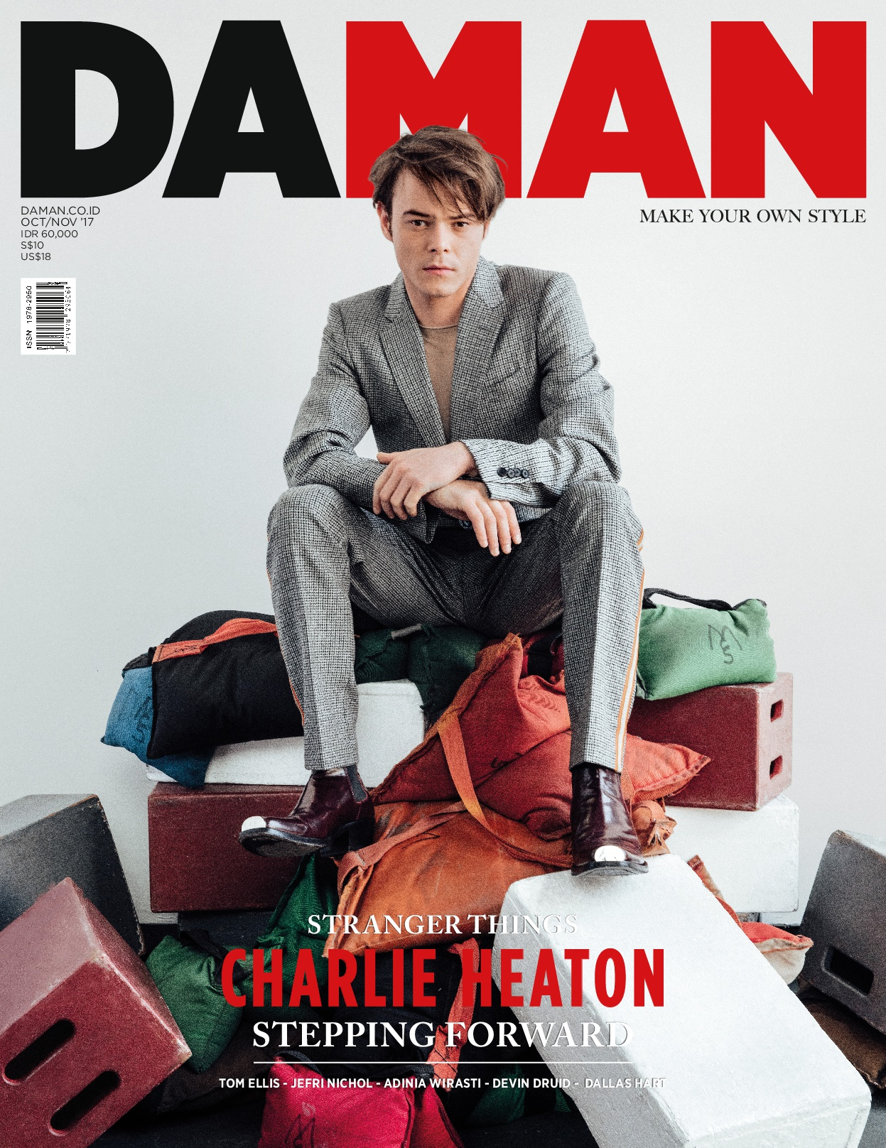 Cover Charlie Heaton-001