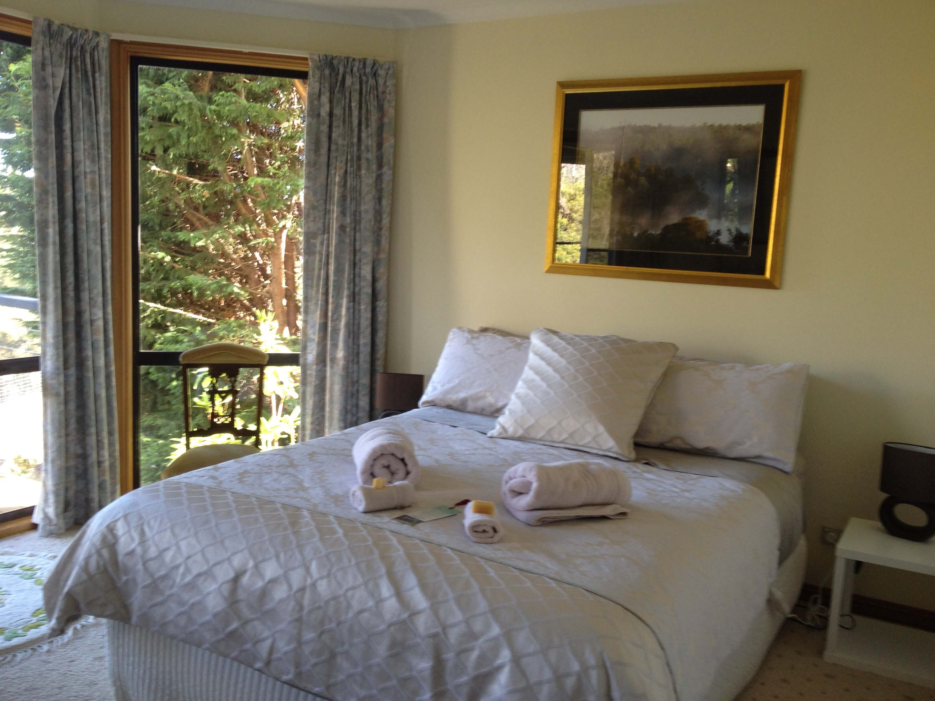 Launceston Wildlife Retreat bedroom