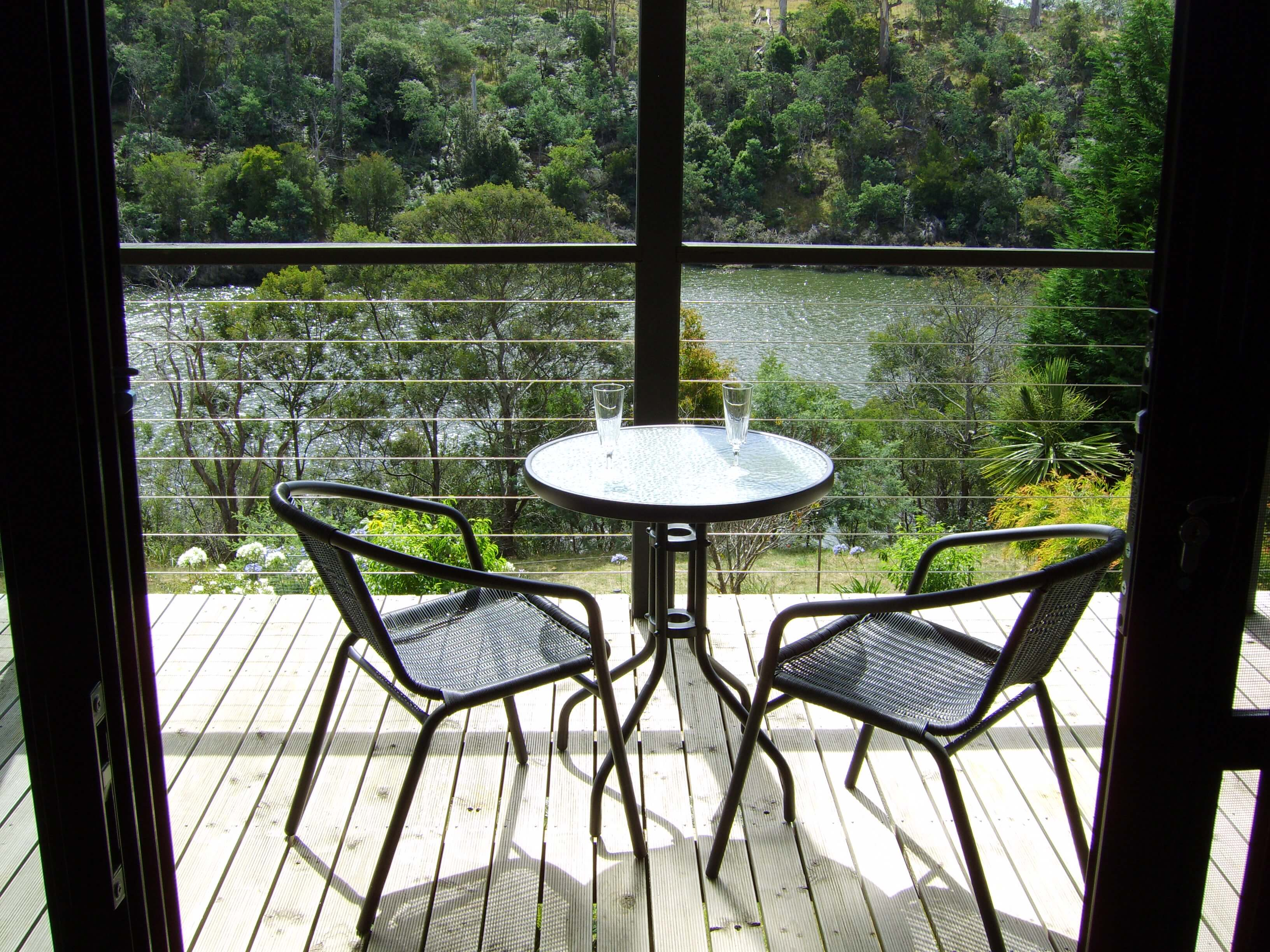 Launceston Wildlife Retreat deck