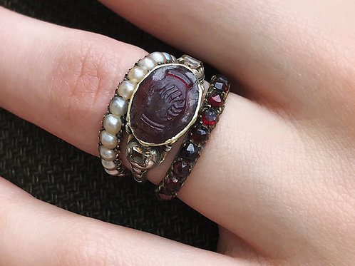 Rare Georgian Fede Clasped Hands Marriage Ring - Carved Garnet Ring With Table C