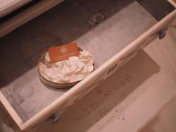 escritorio pasamanería cajón tarjeta y b
