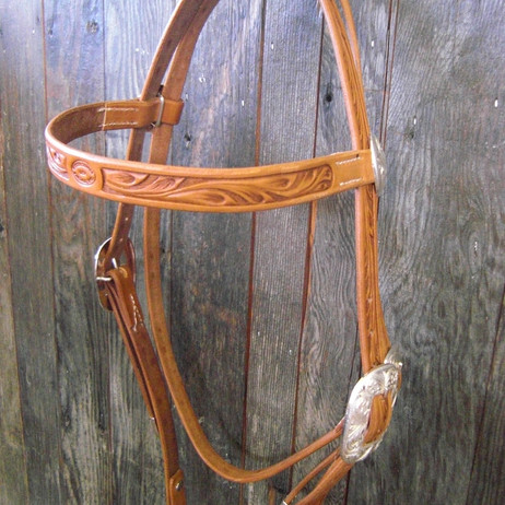 Headstall Tooled with silver (2).JPG