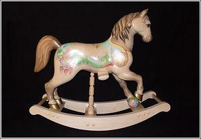Деревянная лошадка Полонский Геннадий