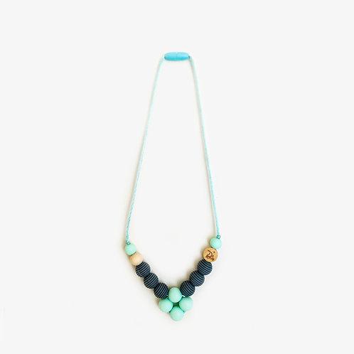 Silikonska ogrlica za mame- tirkiz siv romb