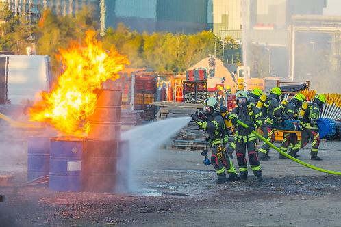 fassbrand - eskalation / barrel fire - escalation / feu baril - escalade