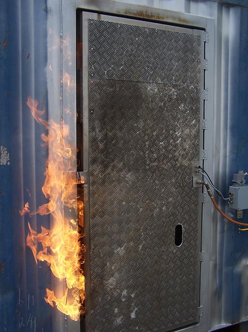 türöffnung - brennende türe / FIRE DOOR / hot door