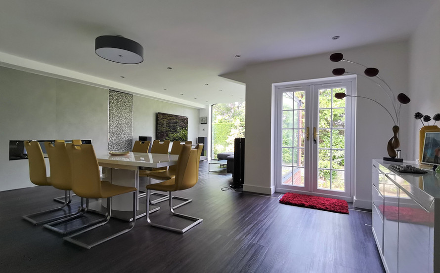 Entry to open plan.jpg