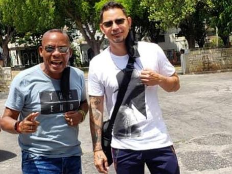 El director de Elito Revé y su Charangón adelanta una 'sorpresa en camino' con Leoni Torres.