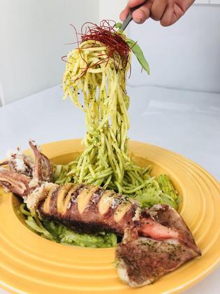 黃金魷魚義大利麵