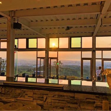 大自然的彩景玻璃窗