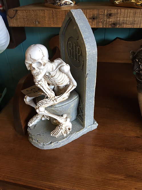 Skeleton on loo