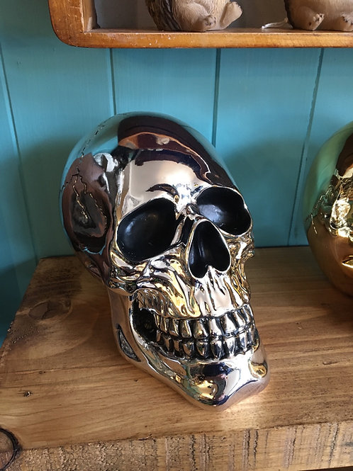 Large silver or gold skull