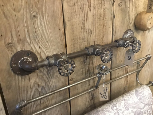 Pipe coat hook