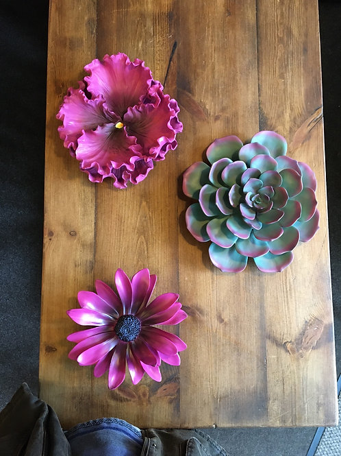 Wall hanging flowers