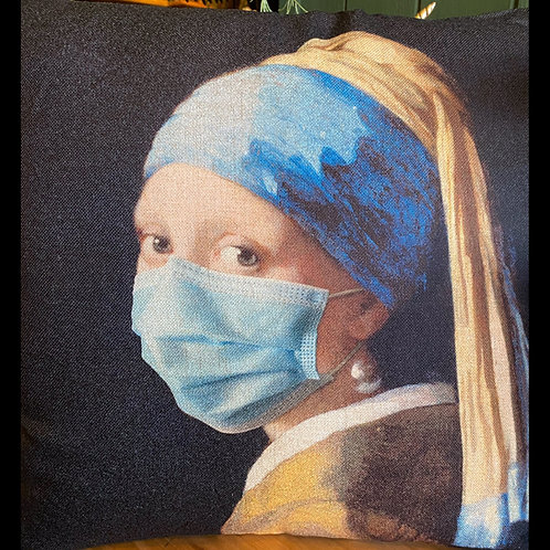 Cushion girl with Pearl earring stay safe