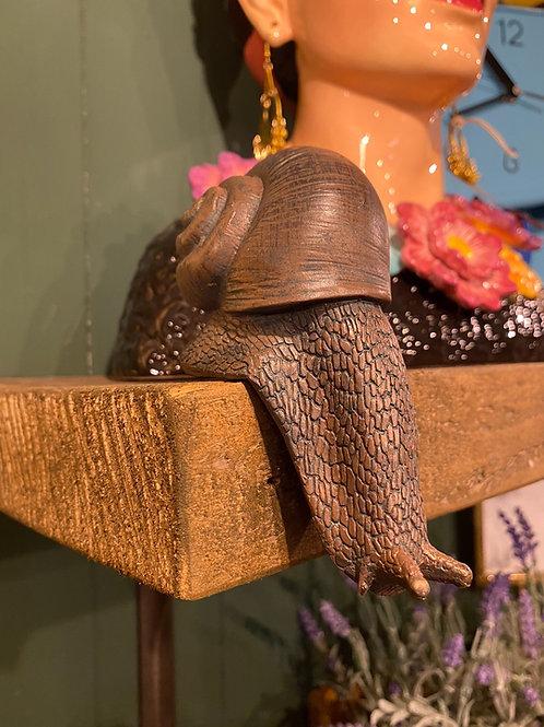 Snail hanger