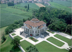 Villa Capra la Rotonda by Andrea Palladi