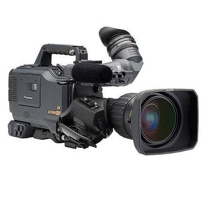 "Panasonic AJ-HDX900 Professional High Definition Camcorder, 2/3"" 3CCD Image Device, 700 TV Lines Horizontal Resolution"