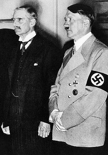 Chamberlain Hitler.jpg