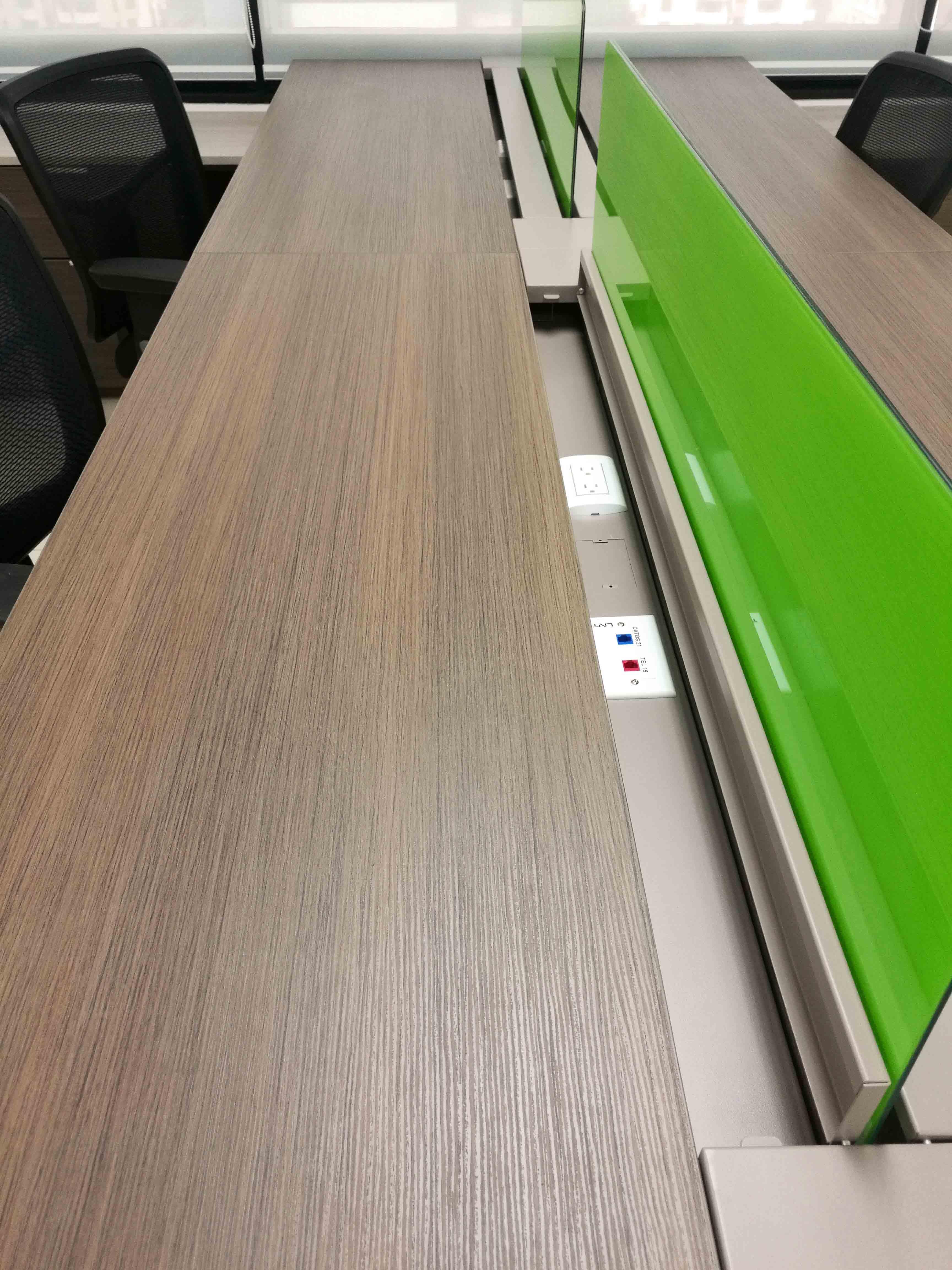 Conexiones en escritorios