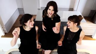 Les Glossy Sisters tournent un nouveau clip...