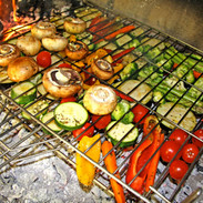parrilla verduras en fuego.jpg