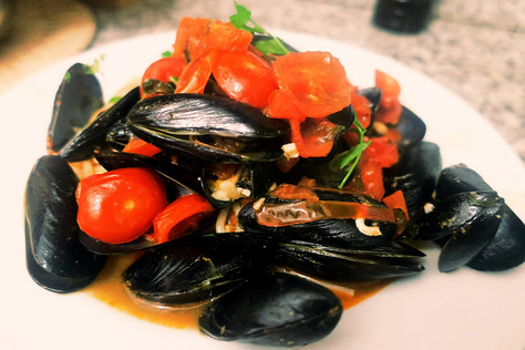 Spaghetti alle cozze (spaghetti with mussels)