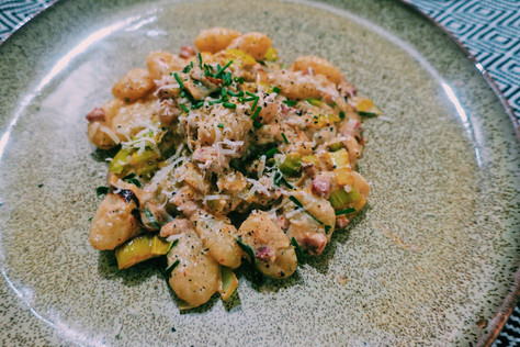 Creamy gnocchi with charred leeks, pancetta and chives