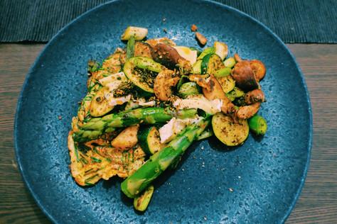 Asparagus, chesnut mushroom and za'atar omelette