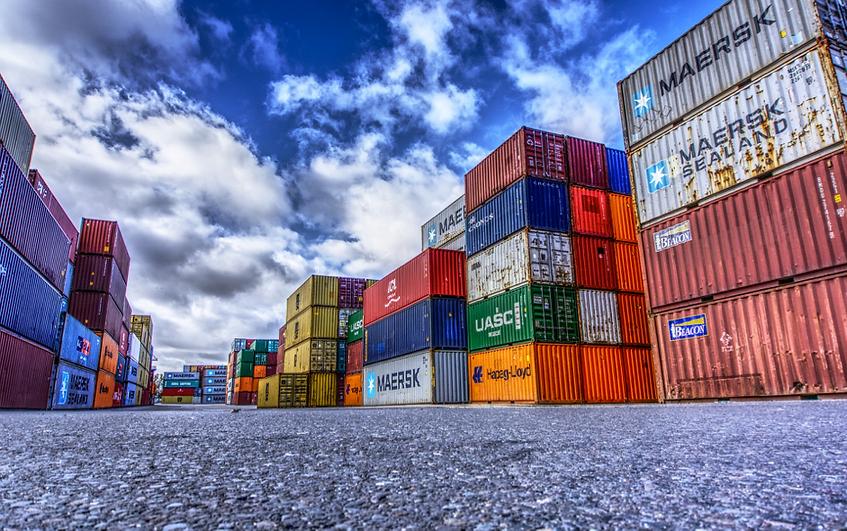 International Logistics Consultancy Red