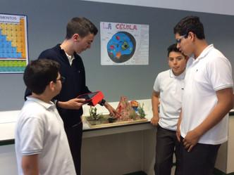 Los alumnos de Secundaria hacen sus últimas prácticas de Laboratorio
