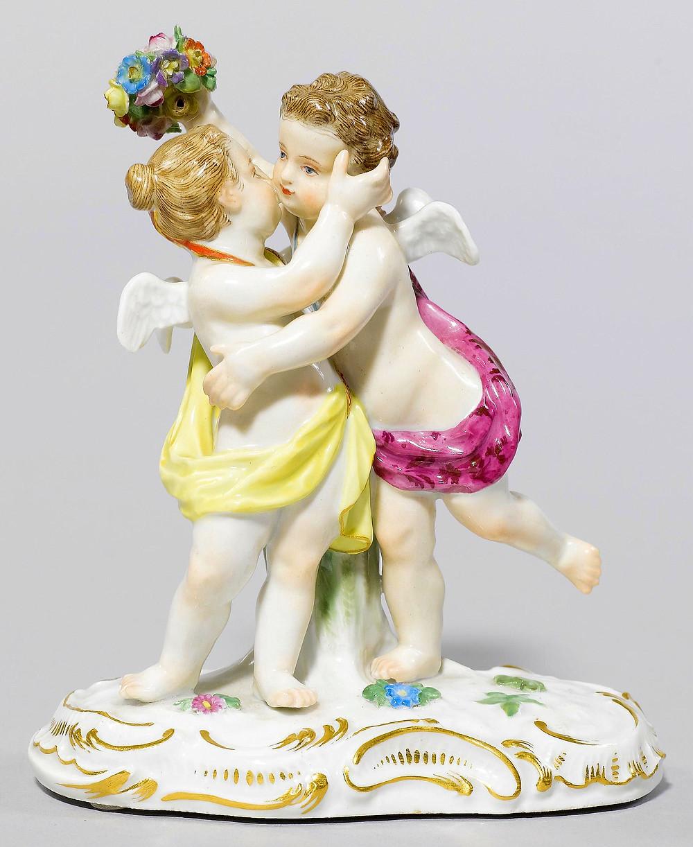 超希少 マイセン 珍品 meissen グループフィギュリン 古典 フィギュリン 18世紀 人形 入荷予定 ケンドラー 日本未発売 kaendler 王侯貴族文化 古マイセン 新古典主義 19世紀 天使群像 天使 寓意