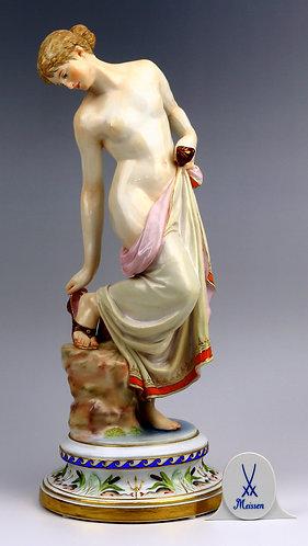 古マイセン 人形 高額フィギュア 裸婦像代表作 浴後の少女 レア