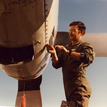 Herc FE Chief Deets Opens Engine Panel V