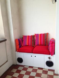 Sitzmöbel mit integrierten Lautsprecher.