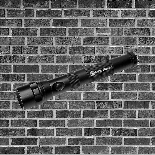 Smith and Wesson AA Flashlight