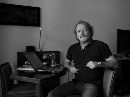 Alberto Barrera Tyszka: «Las palabras son también una forma de hechizo».