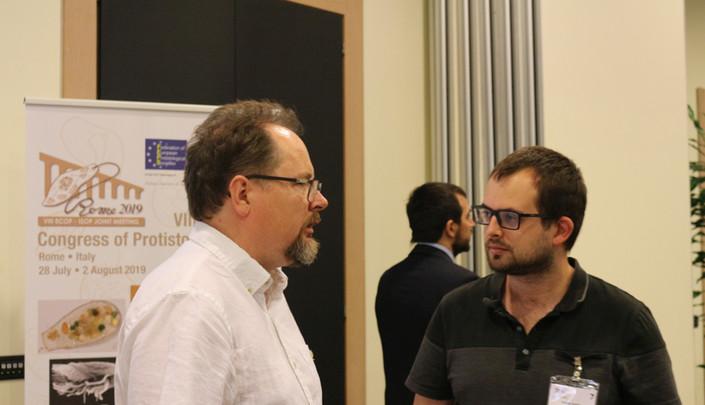 Andrew Roger and Tomáš Pánek chatting