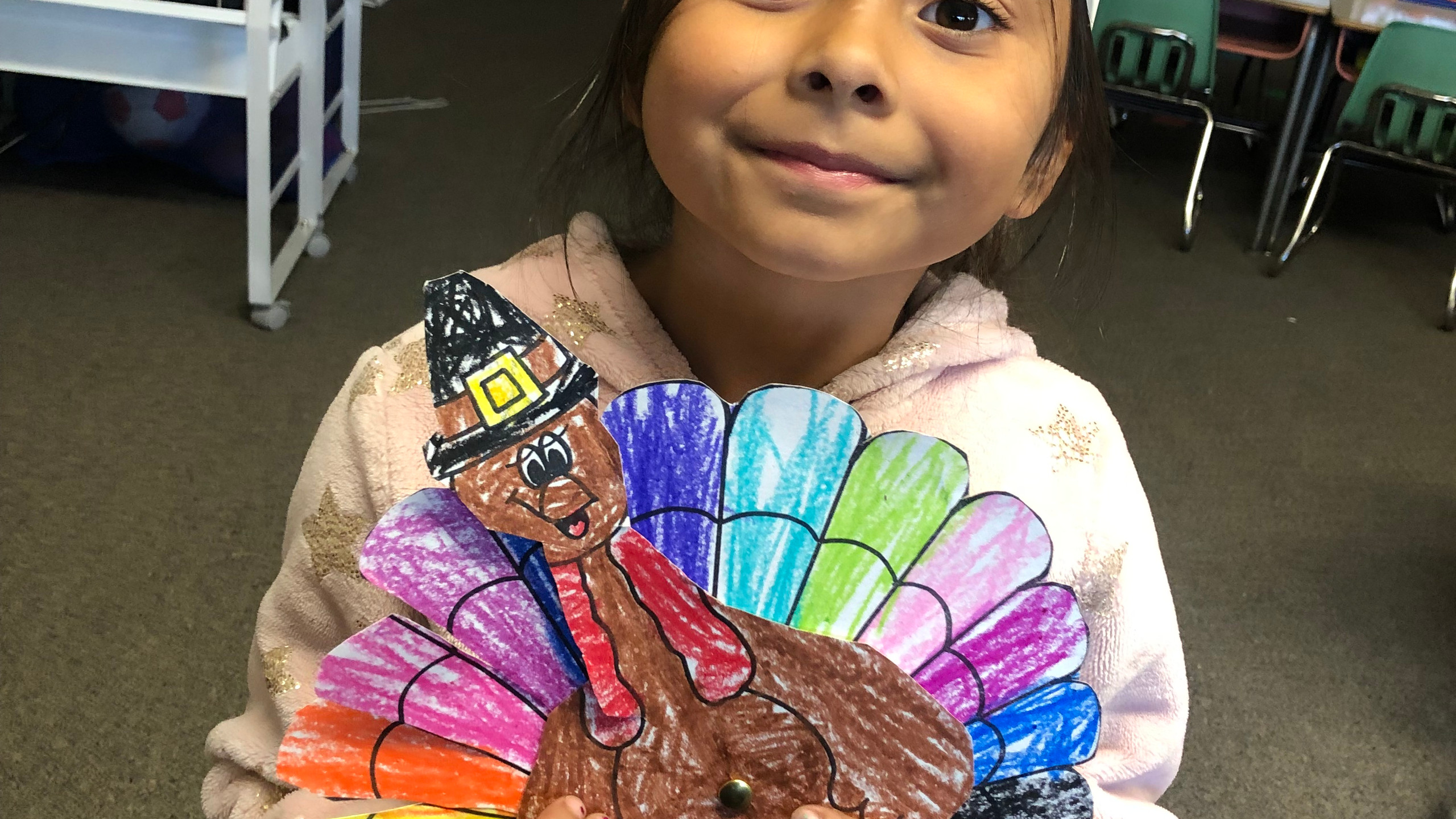 PES Students create their colorful turkeys.
