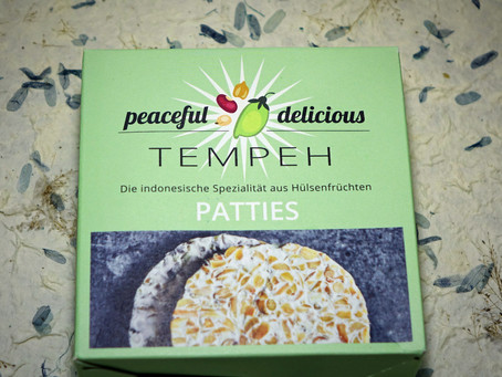 Peaceful Delicious Tempeh Burgers