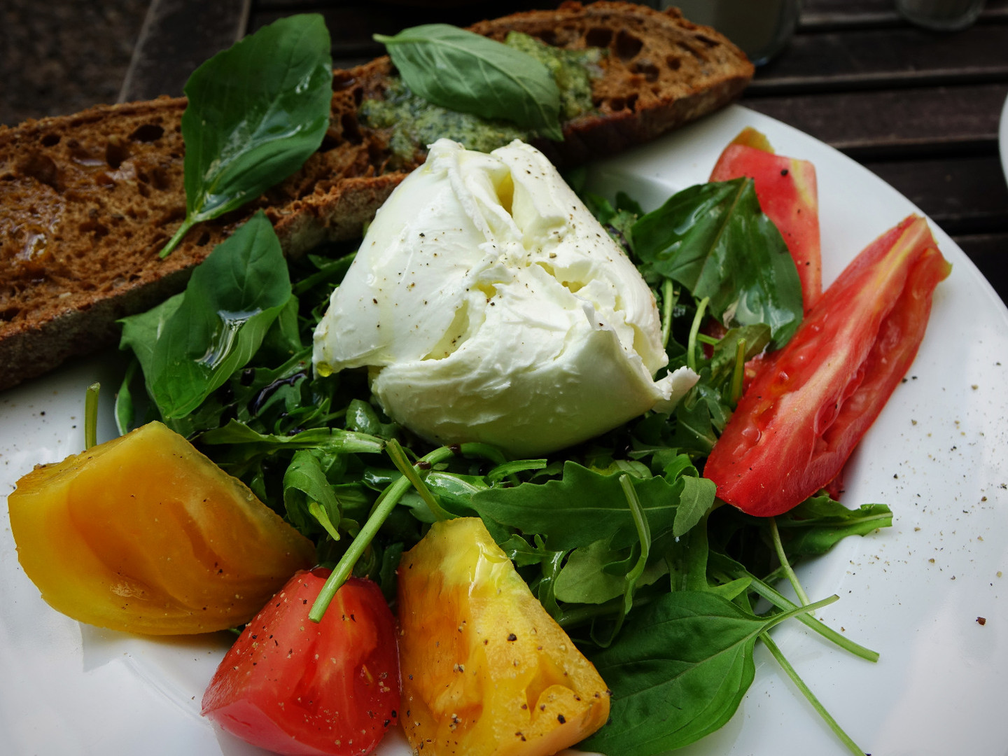 Fresh Mozzarella Rocket Salad