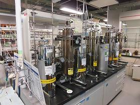 実験室北溶媒精製装置.jpeg