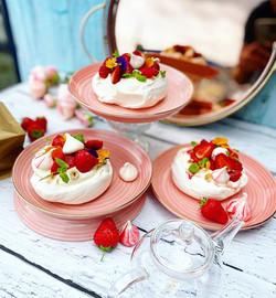 Strawberries & cream pavlovas 2