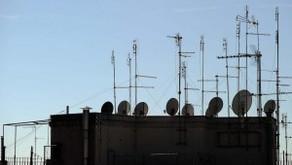 Via le antenne dai tetti di Roma: sgravi fiscali per quelle centralizzate