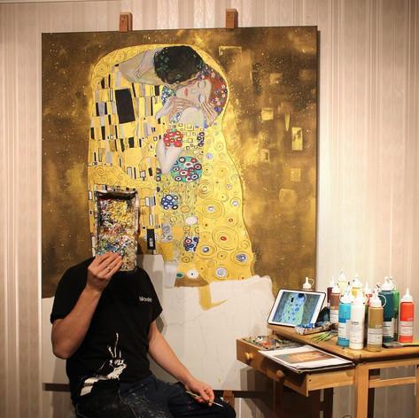 """Reproduktion """"Der Kuss"""" von Gustav Klimt"""