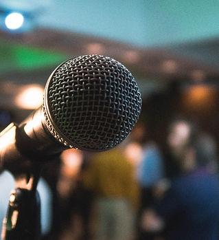 Microphone%20on%20a%20karaoke%20night_ed