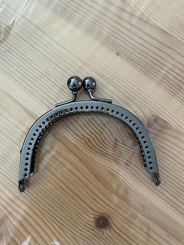 Metal Clasp - 8.5cm  - black