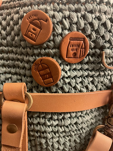 Coffee leather pin set - Julia - sg