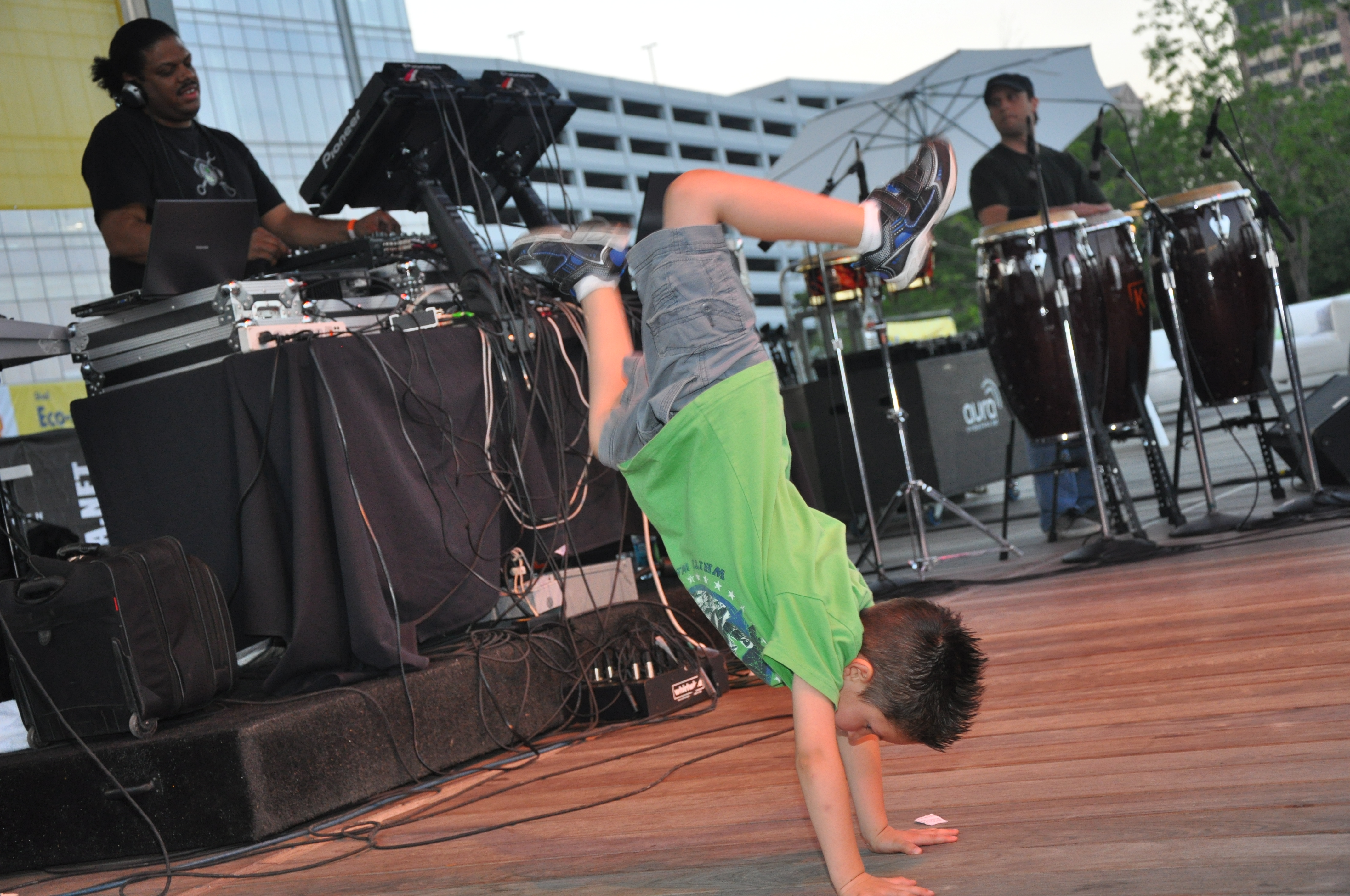 Children Breakdancing